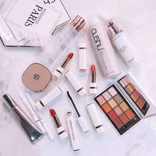 欧束彩妆30多种产品是不是所有产品可以混搭拿货?