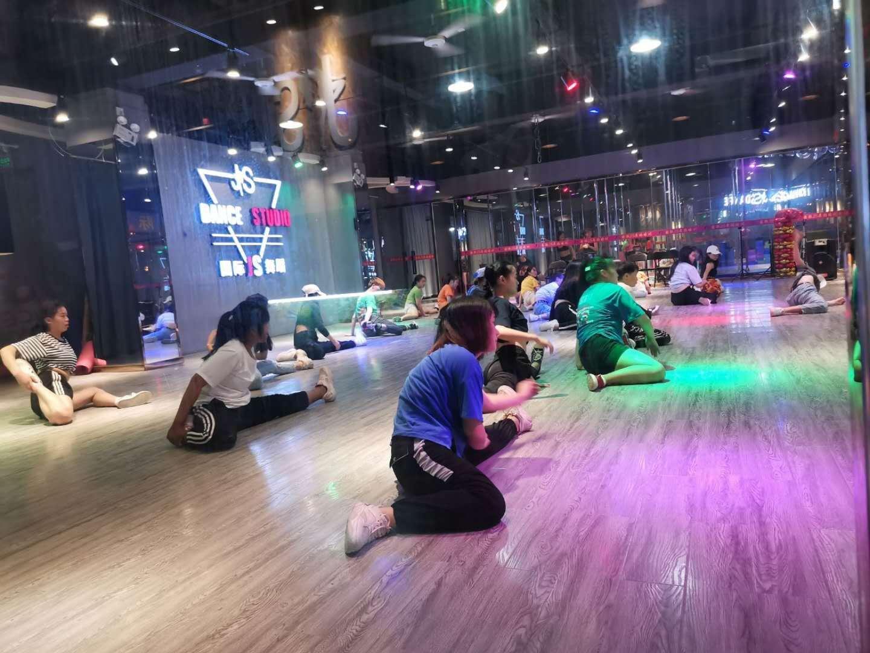 灵子舞蹈乐舞吧具体的位置在哪里能学明白吗